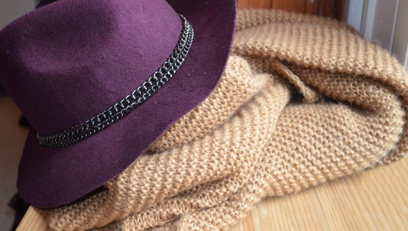 Chapeau et écharpe zara
